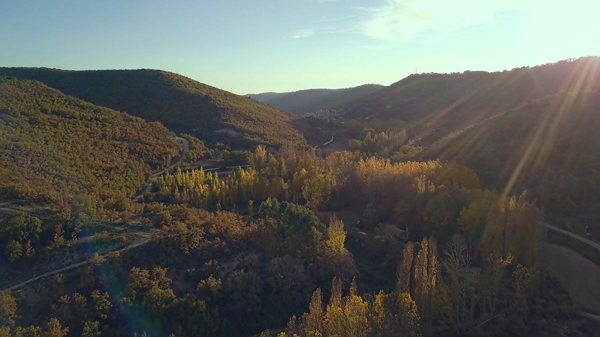 paisaje valle rio ungria